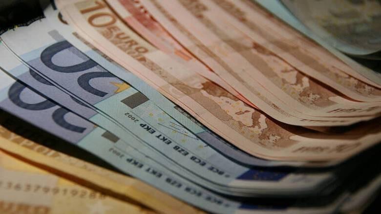 Πλήγμα σε εισόδημα και δαπάνες λόγω Covid-19