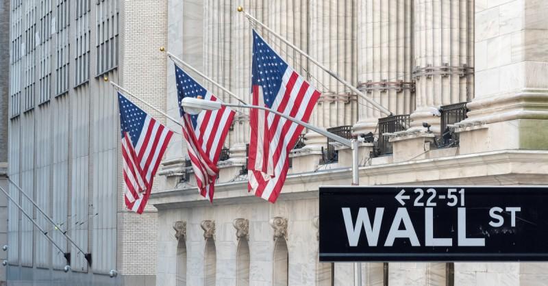 Νέα Υόρκη: Σε άνοιγμα με απώλειες οδηγούν οι αποδόσεις των ομολόγων- Η αγορά αναμένει την  ομιλία Πάουελ