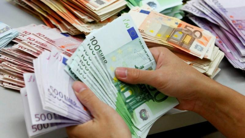 Τράπεζες: Το εμπόριο απορρόφησε το 25% των νέων χρηματοδοτήσεων