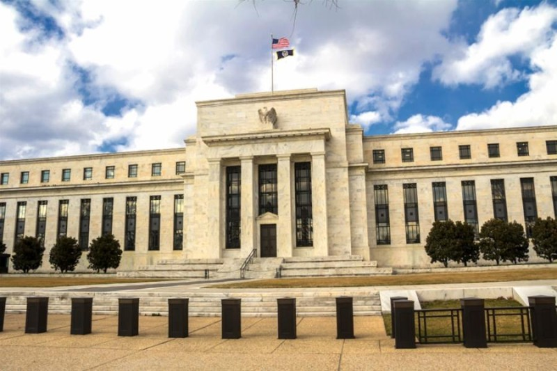 FED: Αξιωματούχοι δεσμεύθηκαν για εφαρμογή χαλαρής νομισματικής πολιτικής