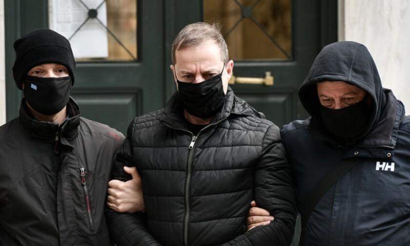 Δ. Λιγνάδης: Αρνείται τις κατηγορίες - Κρατείται και απολογείται την Τετάρτη
