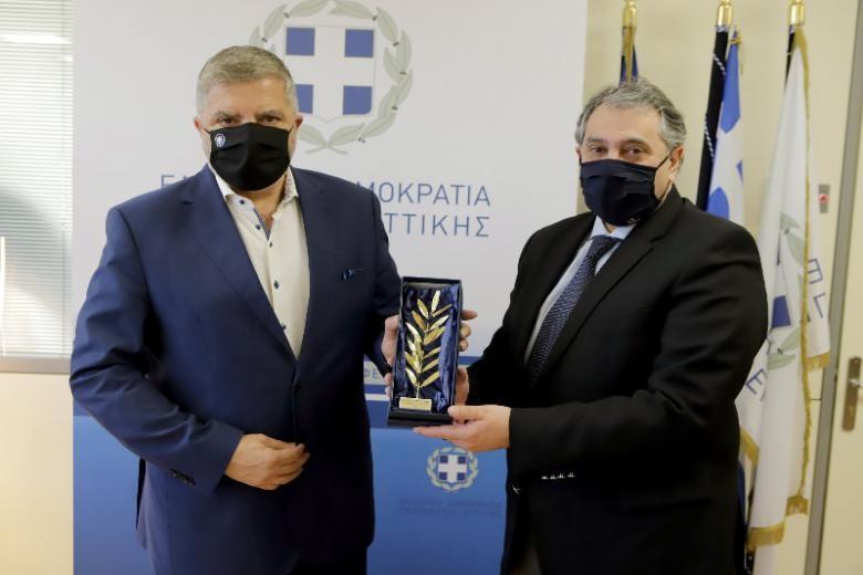 Για την ενίσχυση του επιχειρηματικού κλάδου συζήτησαν Γ. Πατούλης και Β. Κορκίδης