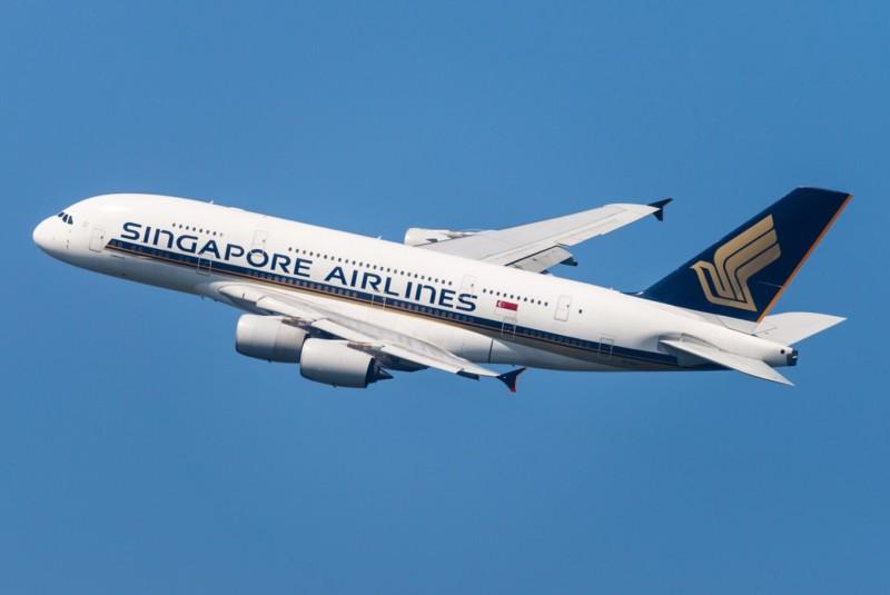 Singapore Airlines: Αρχίζει πτήσεις στις οποίες το πλήρωμα έχει εμβολιαστεί