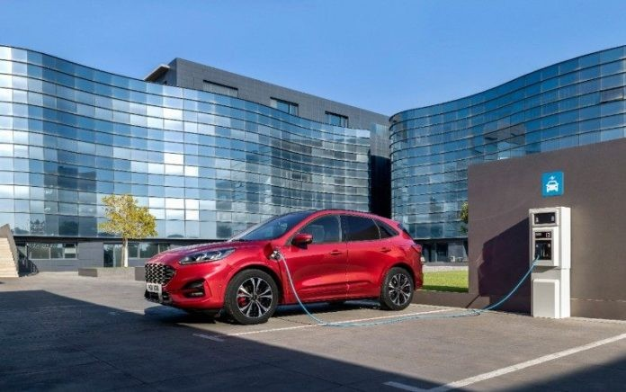 Ford: Επενδύσεις σε ηλεκτροκίνηση και μπαταρίες