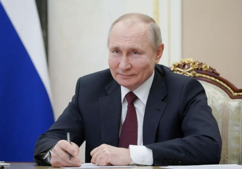 Βλ. Πούτιν: Εύχομαι στον Μπάιντεν να είναι υγιής