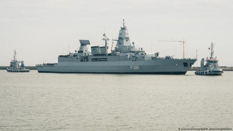 Γερμανία: Ενισχύει με πολεμικό πλοίο την επιτήρηση του εμπάργκο στη Λιβύη