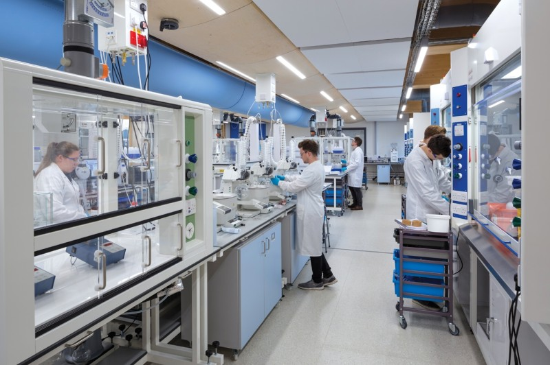 GlaxoSmithKline: Νέο σκεύασμα με αντίσωμα μειώνει κατά 85% την ανάγκη νοσηλείας και τους θανάτους λόγω COVID 19