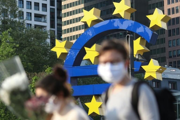 Ευρωζώνη: Μείωση ΑΕΠ 4,9% στο δ' τρίμηνο του 2020