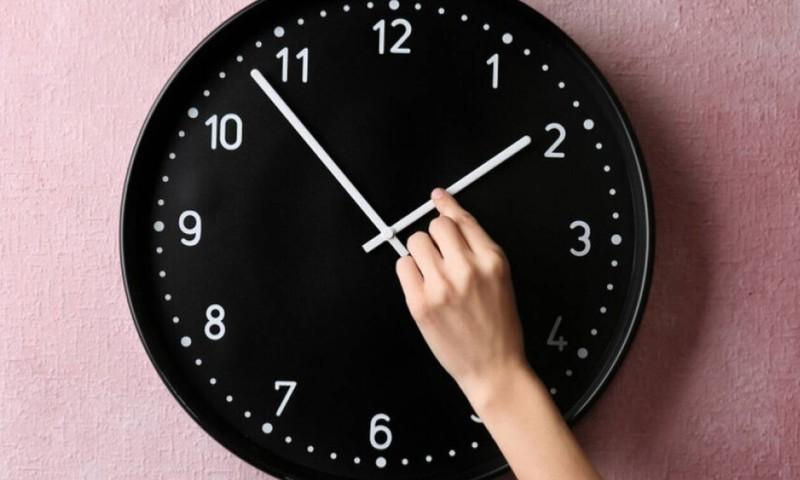 Αλλαγή ώρας : Αύριο πάνε τα ρολόγια μία ώρα μπροστά