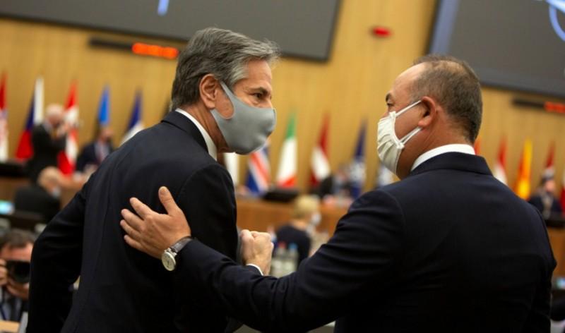 Μπλίνκεν: Σύμμαχος η Τουρκία, στηρίζουμε τις διερευνητικές με την Ελλάδα