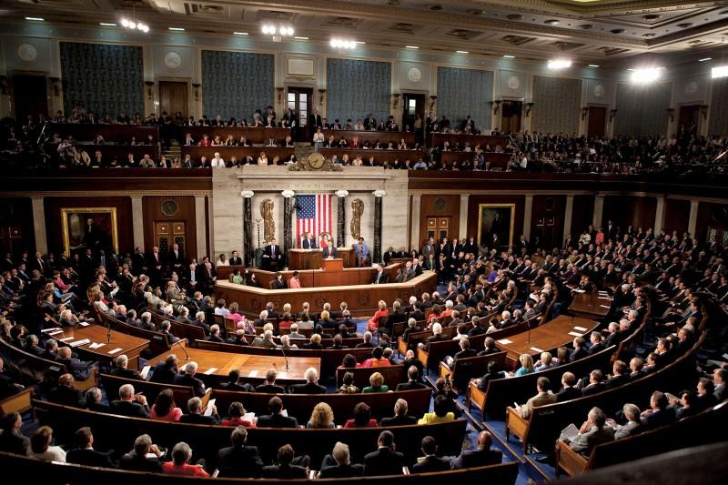 ΗΠΑ: Εγκρίθηκε από το Κονγκρέσο το πακέτο δημοσιονομικής τόνωσης