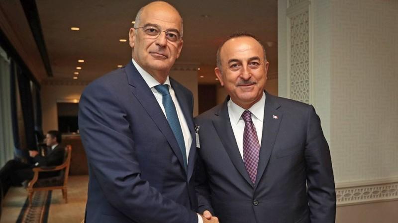 Τσαβούσογλου προς Δένδια: Η Τουρκία έτοιμη να βοηθήσει