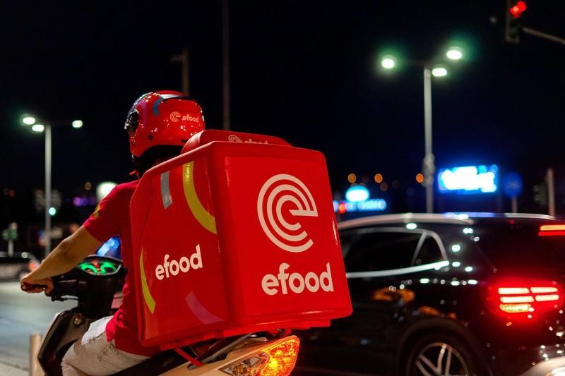 efood: Προχωρά σε νέες προσλήψεις διανομέων