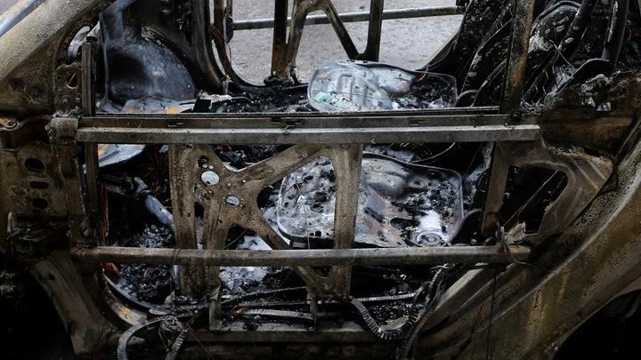 Εμπρηστική επίθεση σε αντιπροσωπεία αυτοκινήτων στην Καισαριανή