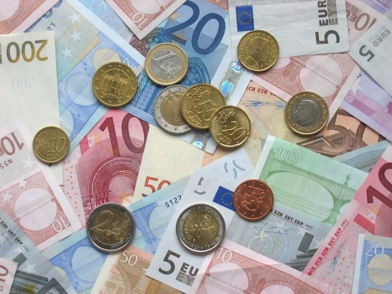 ΕΕΤ: Πρωτοβουλία για τη χρηματοπιστωτική εκπαίδευση μαθητών