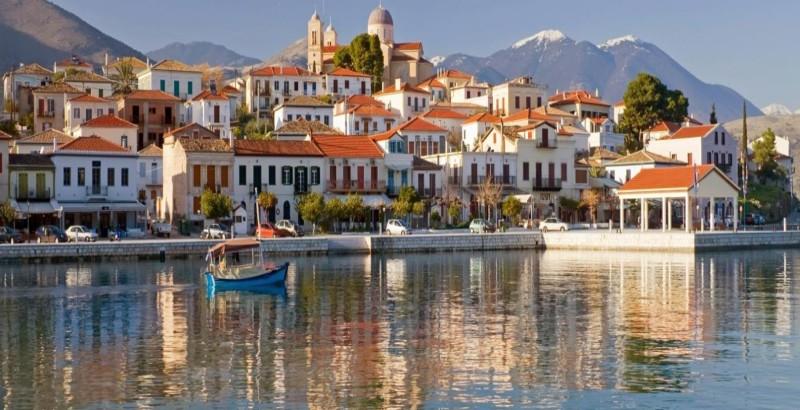 Guardian: 10 ελληνικοί προορισμοί για διακοπές μετά τον Covid