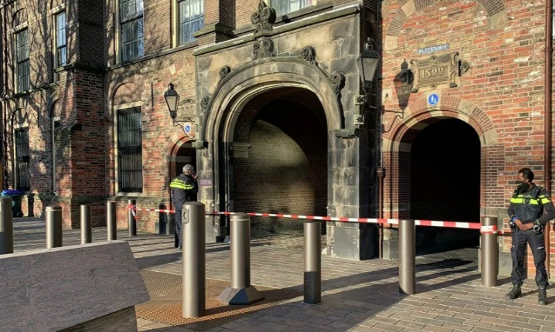 Ολλανδία: Αποκλείσθηκε το Κοινοβούλιο λόγω απειλής για βόμβα