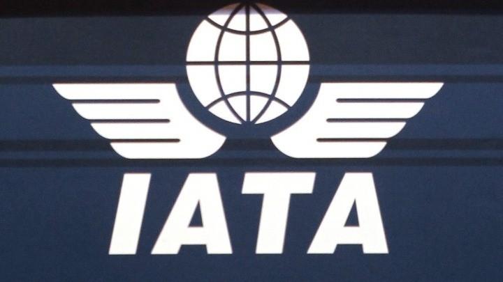 ΙΑΤΑ: Υποχρεωτική η μάσκα στα αεροπλάνα για πολύ καιρό