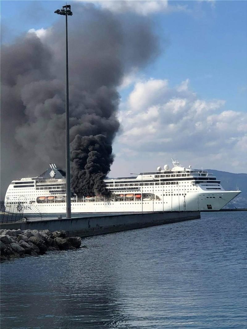 Κέρκυρα: Στις φλόγες το κρουαζιερόπλοιο MSC Lirica