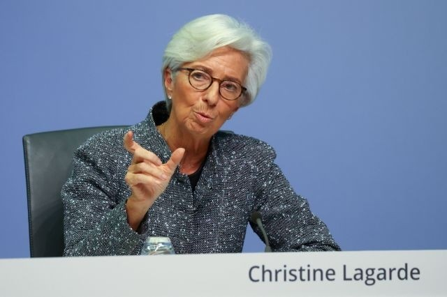 Μείωση αποδόσεων στα ομόλογα της Ευρωζώνης