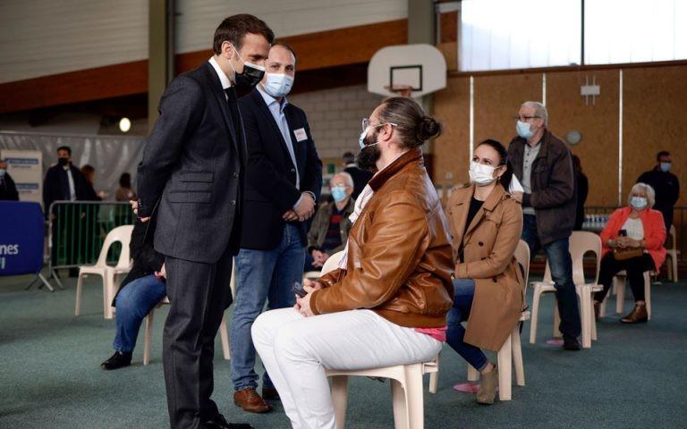 Γαλλία: Εμβολιασμοί και σε μεγάλα αθλητικά κέντρα
