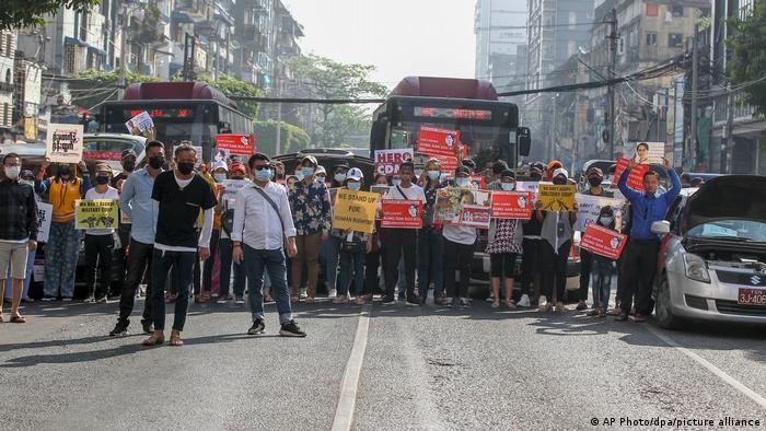 ΗΠΑ: Αναστέλλεται η εμπορική συμφωνία του 2013 με την Μιανμάρ