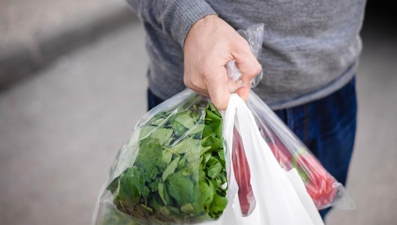 ΙΕΛΚΑ: Μείωση 99,9% στη χρήση της πλαστικής σακούλας το 2020