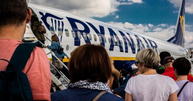 Ryanair: 243 πτήσεις εβδομαδιαίως από Ρόδο, Χανιά, Κέρκυρα