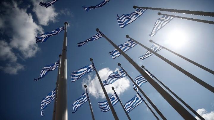 Διάφορες χώρες του κόσμου τιμούν την Ελλάδα