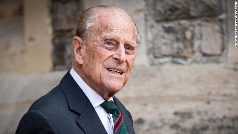 Η Βρετανία αποτίει φόρο τιμής στον πρίγκιπα Φίλιππο