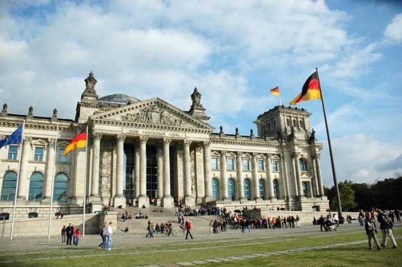 Γερμανία: Στο ναδίρ η δημοτικότητα της κυβέρνησης