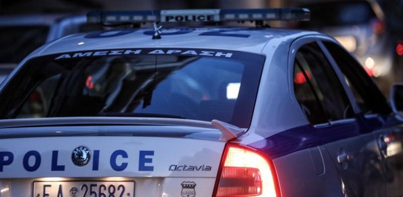 Φάληρο: Τραυματίας αστυνομικός από επίθεση σε περιπολικό