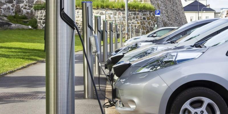 Η Ευρώπη θα χρειαστεί 3 εκατ. σημεία φόρτισης αυτοκινήτων μέχρι το 2030
