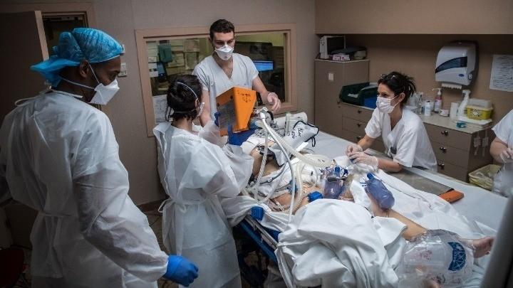 Ερευνα: 2 στους 100 ασθενείς Covid σε ΜΕΘ παθαίνουν εγκεφαλικό