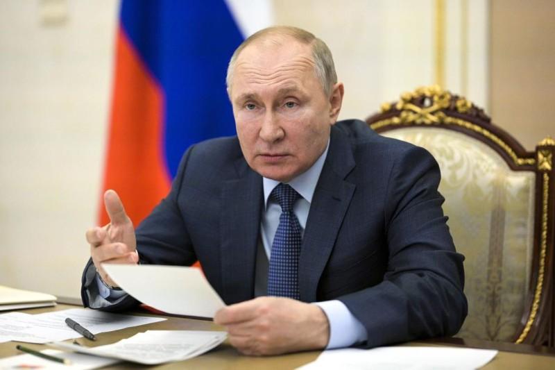 Έτοιμος για συνομιλίες με τον Ζελένσκι στη Μόσχα δηλώνει ο Πούτιν