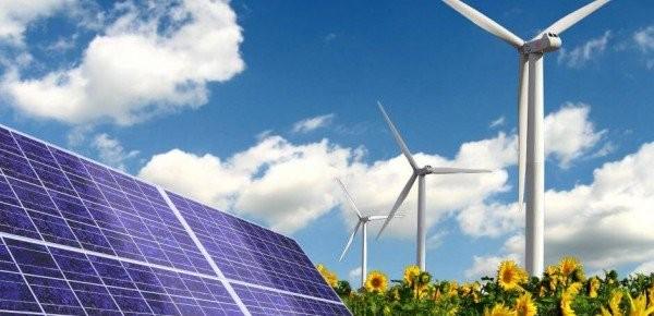 Στροφή των μεγάλων ενεργειακών ομίλων στην «πράσινη» ενέργεια
