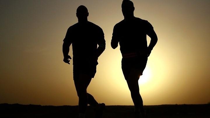 Η έλλειψη άσκησης αυξάνει το βάρος και τον κίνδυνο βαριάς Covid-19