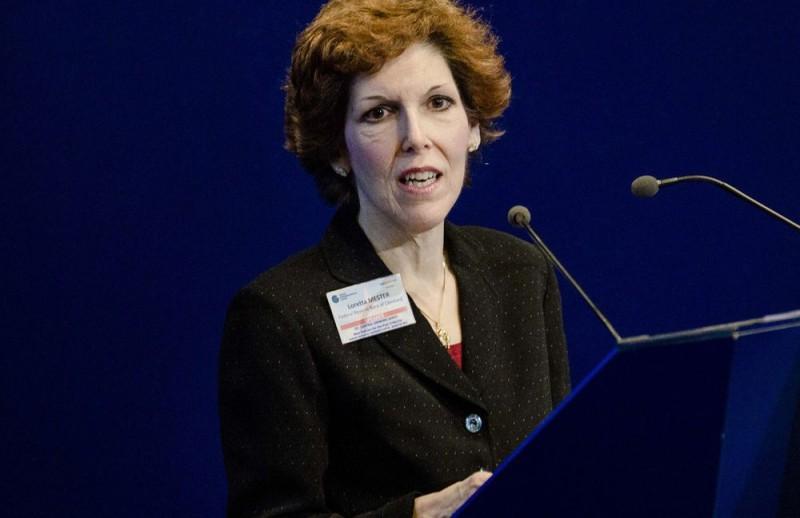Loretta Mester: Σταδιακή και προσεκτική η μεταβολή της νομισματικής πολιτικής