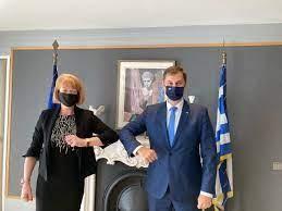 Συνάντηση τουριστικής σημασίας Χάρη Θεοχάρη με τη βρετανίδα υφυπουργό Eξωτερικών Wendy Morton