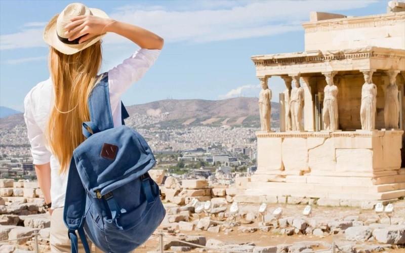 ΤτΕ: Η πανδημία εξαφάνισε τουριστικά έσοδα 13,86 δισ. ευρώ το 2020