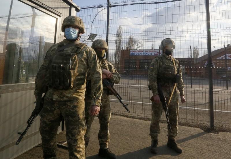 Η Μόσχα: Απόσυρση στρατευμάτων από τα σύνορα με Ουκρανία - Εκτίναξη για το ρούβλι