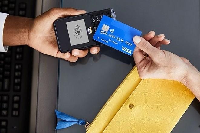 Visa: 1 δισ. ανέπαφες πληρωμές χωρίς PIN