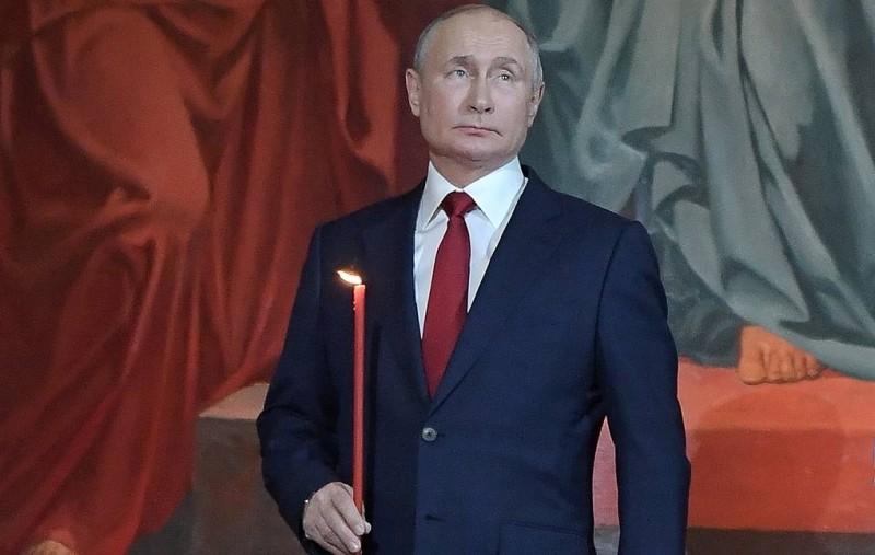 Ρωσία: Πανηγυρικά και με ήπια υγειονομικά μέτρα εορτάζεται το Πάσχα