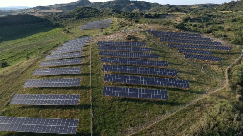ΡΑΕ: Σε ιστορικό χαμηλό οι τιμές για την ανανεώσιμη ενέργεια