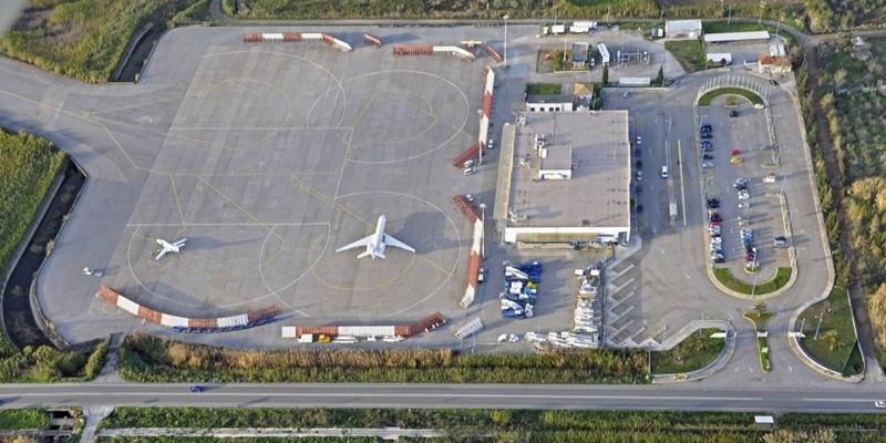 Θα πέσουν «κορμιά» για το αεροδρόμιο Καλαμάτας!