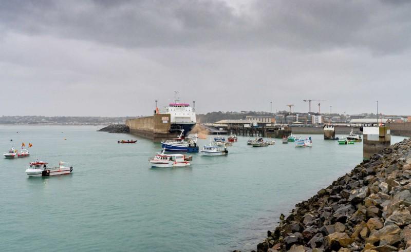 Γαλλία: Αντιπαράθεση με Βρετανία για το ψάρεμα στο νησί Τζέρσεϊ