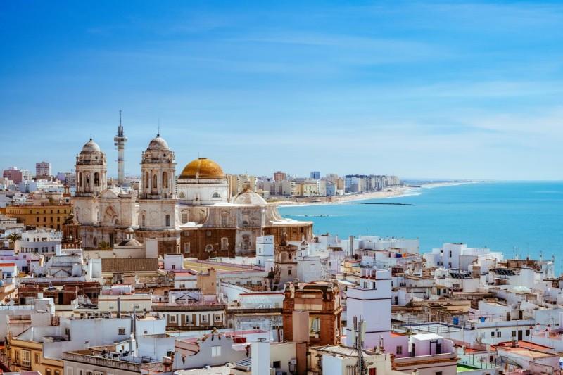 Ισπανία: Άλμα στις κρατήσεις των ξενοδοχείων τον Απρίλιο