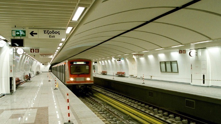 Στάση εργασίας στο μετρό από την έναρξη έως τις 10:00