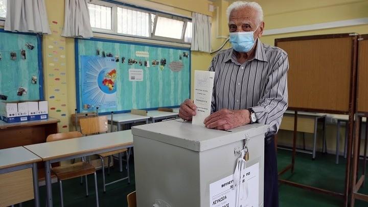 Κύπρος: Εκλεισαν οι κάλπες - Στο 56,7% η συμμετοχή μέχρι τις 17.00 το απόγευμα