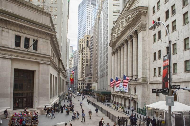 Νέα Υόρκη: Μικτά πρόσημα και αρνητικό κλίμα λόγω της Fed